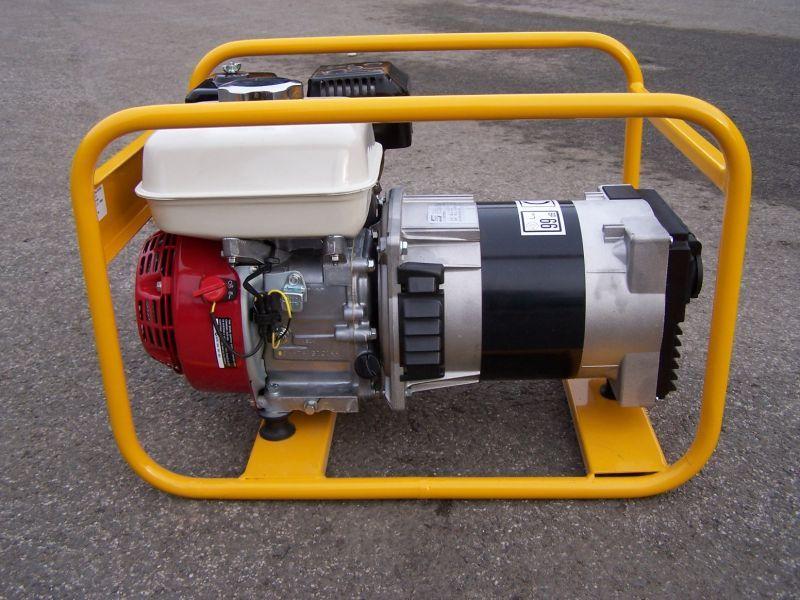 NTC TR-2,5 - jednofázová elektrocentrála s motorem Honda.